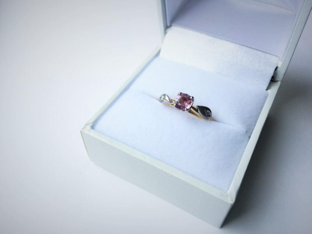 Sarah's bespoke engagement ring